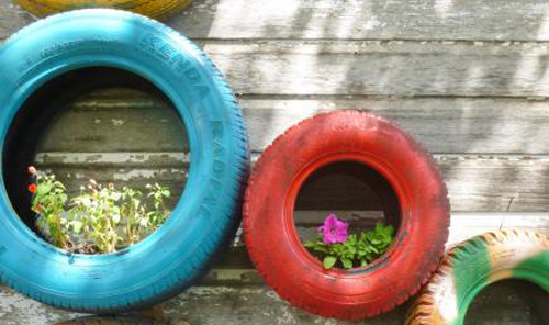 1211-Recycled-Tire-Garden-Planters