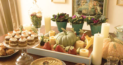 Thanksgiving table decorations using terracotta flower pots