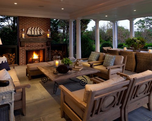 3727 Outdoor Living Spaces With Planters
