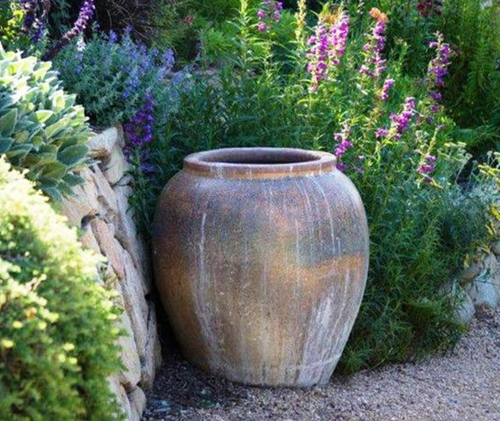 3867-Pots-In-The-Garden