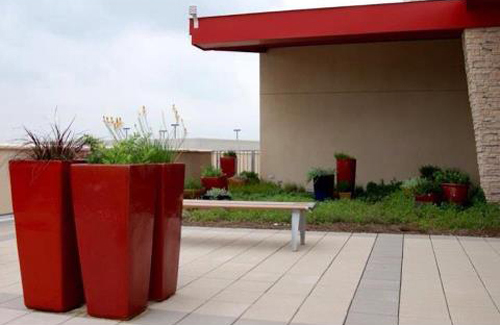115-Red-Planters